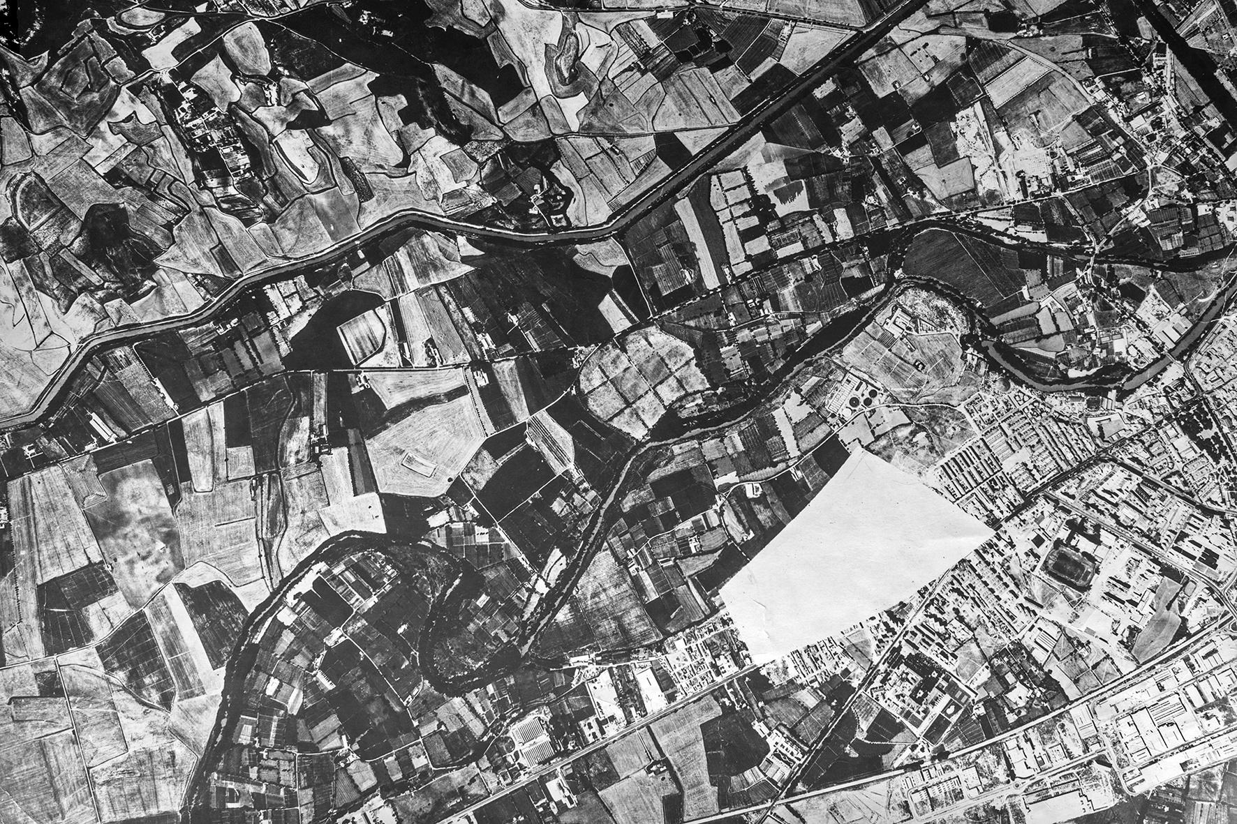 Fábrica de Armas oculta, años 50 - Niebla (2018) - Ana Frechilla, proyecto fotográfico