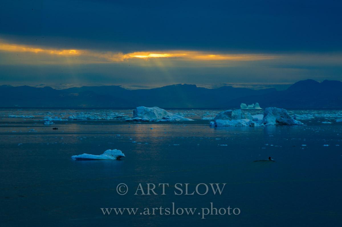 Silencio en el Uno - Ilulisat, Icebergs desprendidos del glaciar Sermeq Kujalleq, Bahía de Disko, Greenland. Edición: 10/10 + 2P/A - Greenland Catedrales de Hielo - Catedrales de Hielo