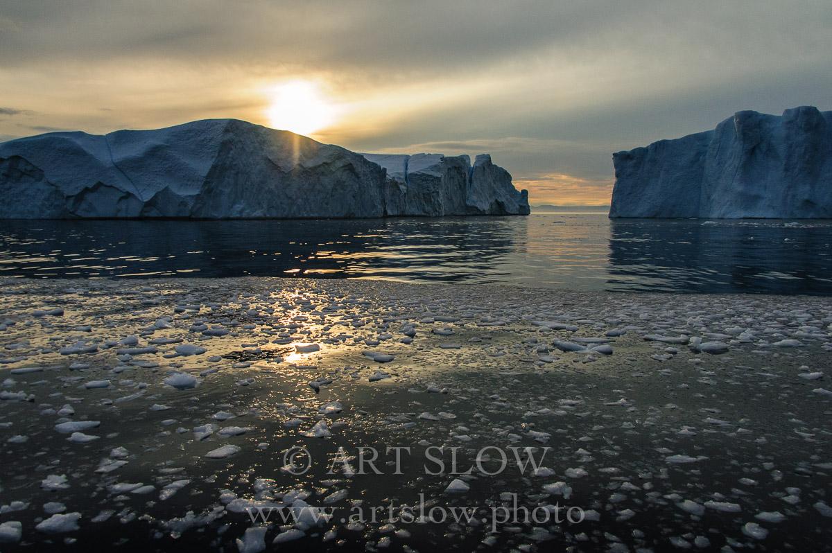 La lengua del Creador -Icebergs desprendidos del glaciar Sermeq Kujalleq, Bahía de Disko, Greenland. Edición: 10/10 + 2P/A - Greenland Catedrales de Hielo - Catedrales de Hielo
