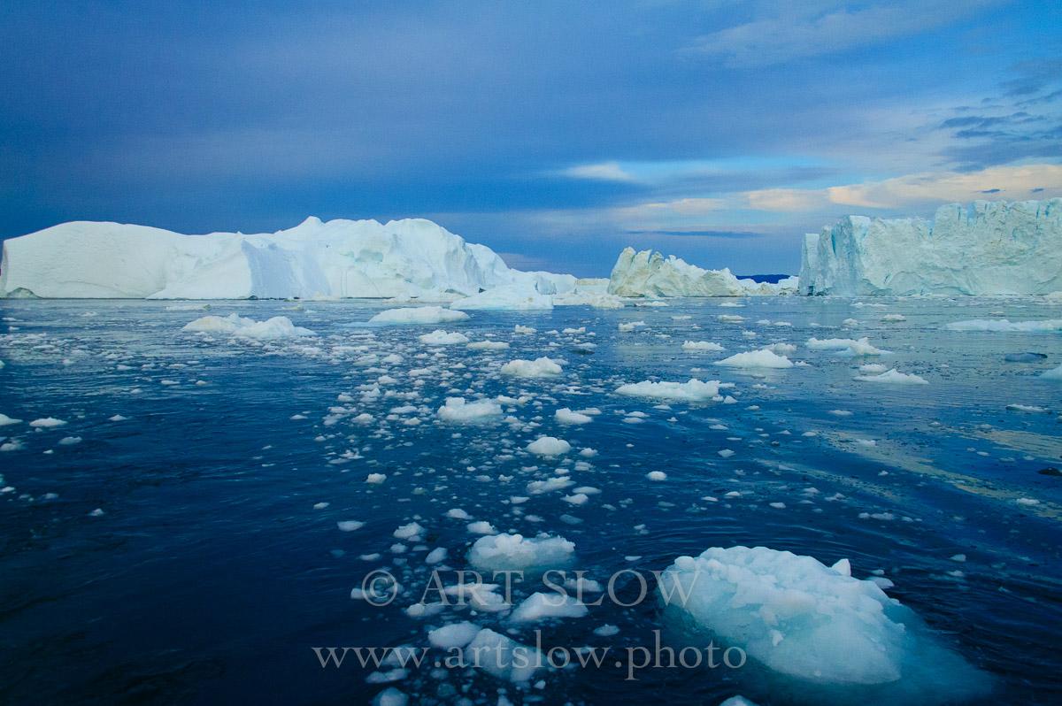 Hielo derretido - Icebergs desprendidos del glaciar Sermeq Kujalleq, Bahía de Disko, Greenland. Edición: 10/10 + 2P/A - Greenland Catedrales de Hielo - Catedrales de Hielo