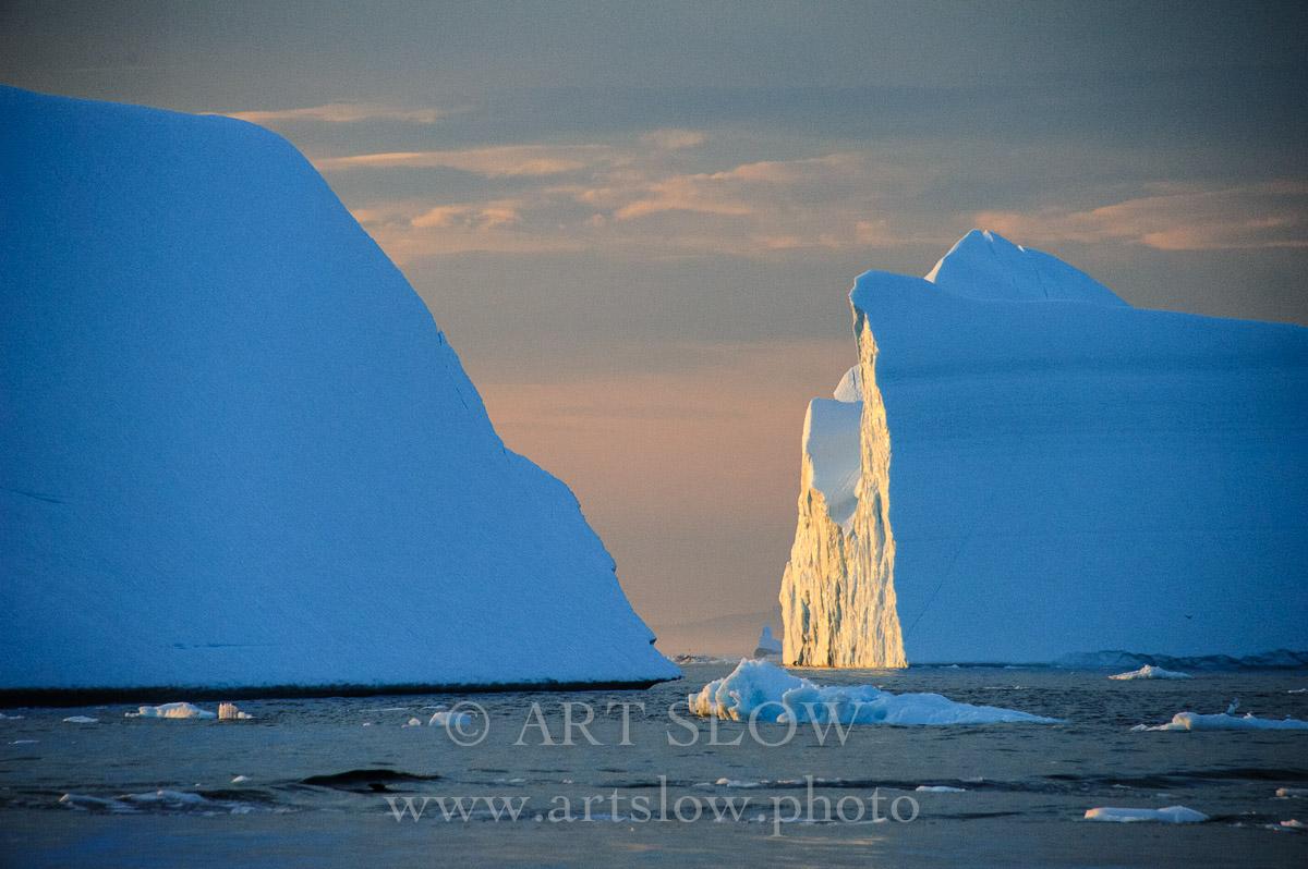 Catedrales de hielo - Icebergs desprendidos del glaciar Sermeq Kujalleq, Bahía de Disko, Greenland. Edición: 10/10 + 2P/A - Greenland Catedrales de Hielo - Catedrales de Hielo