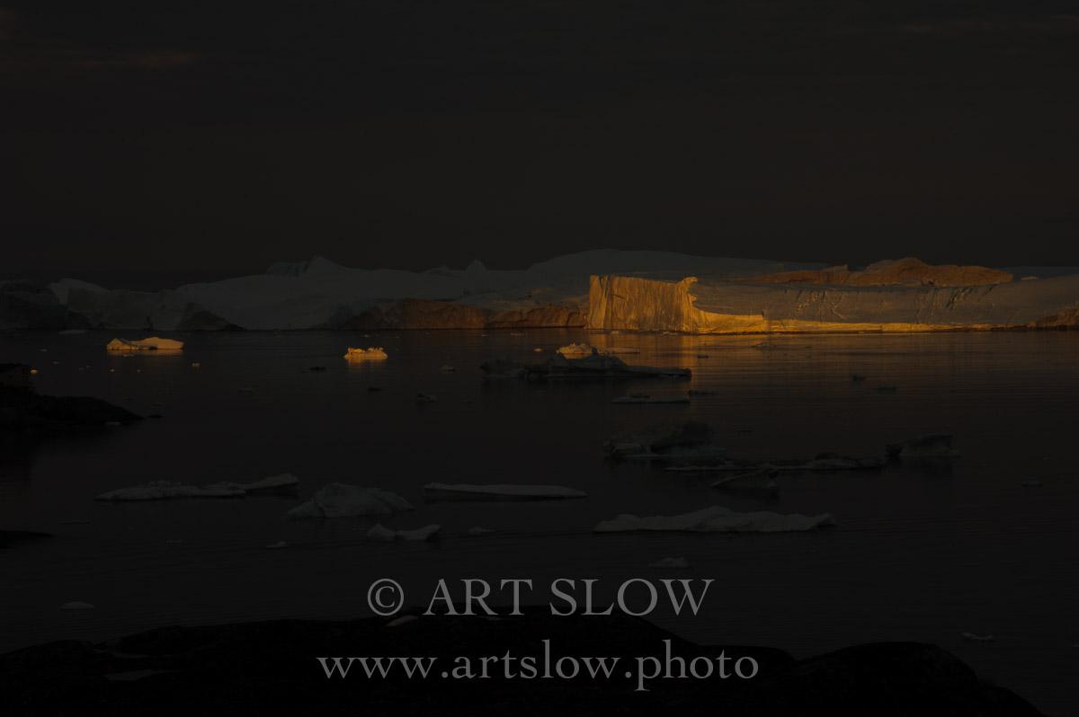 La voz del hielo - Icebergs desprendidos del glaciar Sermeq Kujalleq, Bahía de Disko, Greenland. Edición: 10/10 + 2P/A - Greenland Catedrales de Hielo - Catedrales de Hielo
