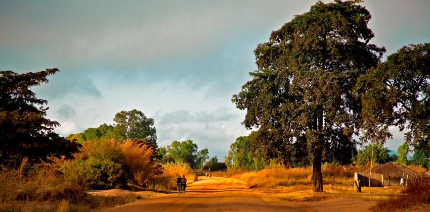Zambezia -  Norte de Mozambique paisajes - Augusto Rodríguez, Landscape & Portrait