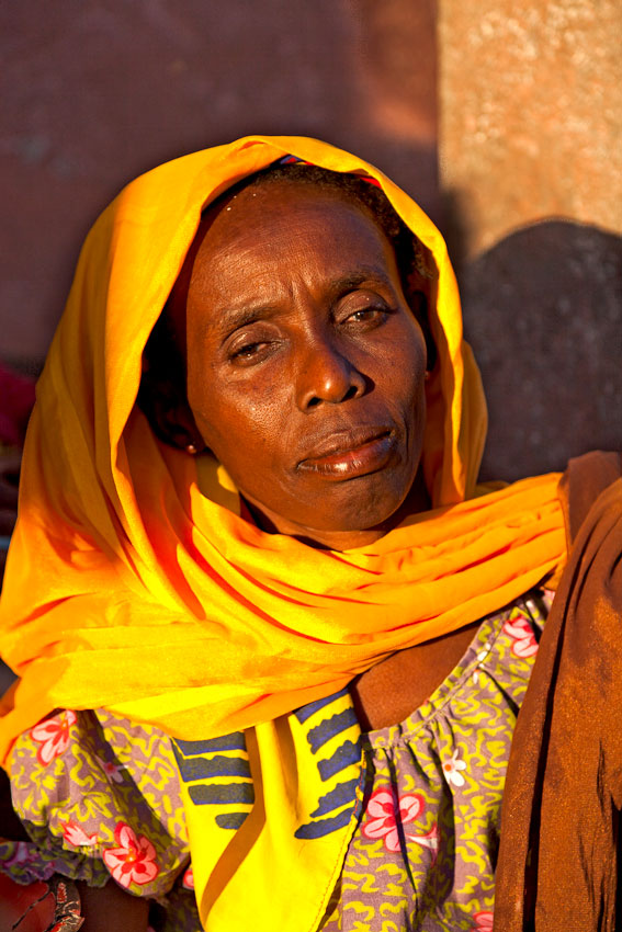 vendedora de amenduin, mercado de andalane- Isla de Mozambique - Mozambique varios - Augusto Rodríguez, Landscape & Portrait