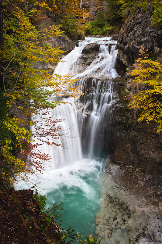 Cascada de la Cueva - Valle de Ordesa - Otoño en el Pirineo - Bakartxo Aniz Aldasoro, Fotografía de naturaleza, etnografía y viajes
