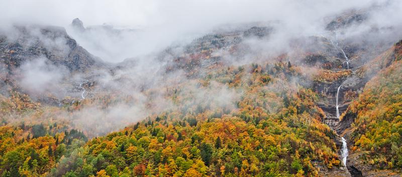 Bosques y montañas escondidos - Valle de Pineta - Otoño en el Pirineo - Bakartxo Aniz Aldasoro, Fotografía de naturaleza, etnografía y viajes