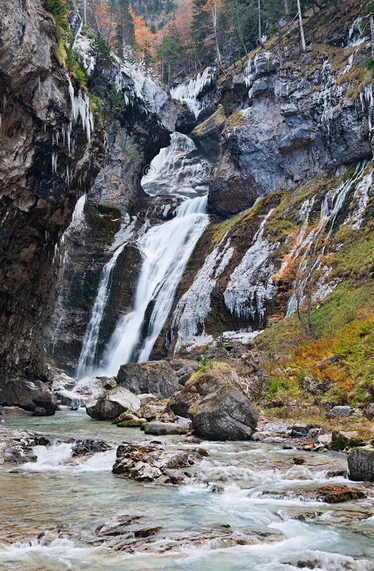 ... cascada del Estrecho una semana más tarde. - Otoño en el Pirineo - Bakartxo Aniz Aldasoro, Fotografía de naturaleza, etnografía y viajes