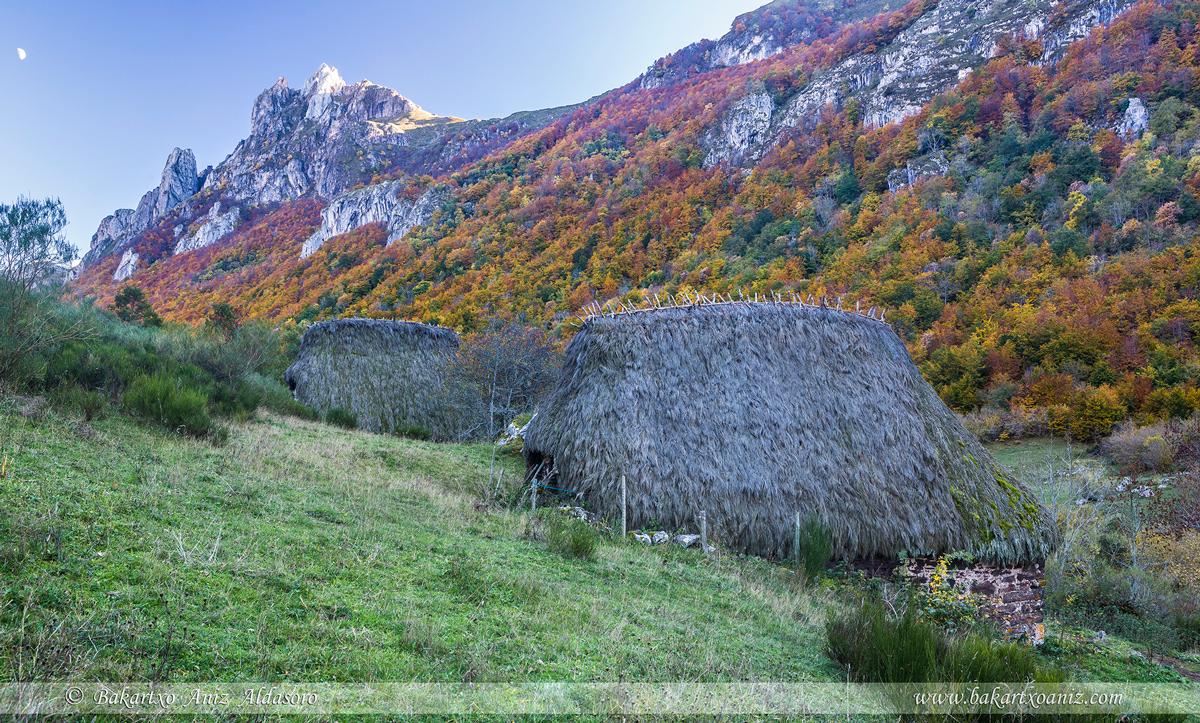 Braña de La Campa - Somiedo - Somiedo - Tierra de teitos y bosques - Bakartxo Aniz - Fotografías de Asturias. Somiedo - Muniellos.