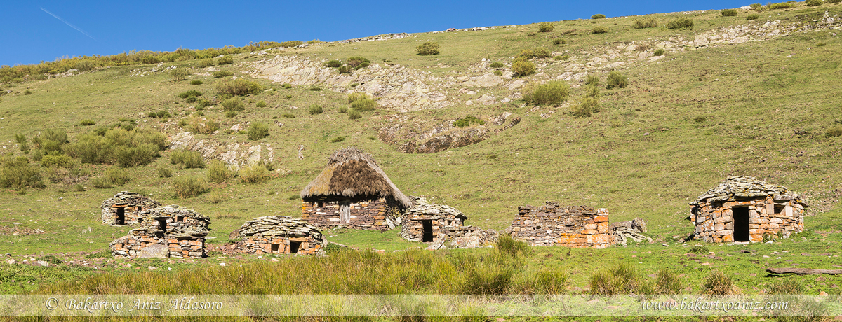 Braña de la Mesa - Somiedo - Somiedo - Tierra de teitos y bosques - Bakartxo Aniz - Fotografías de Asturias. Somiedo - Muniellos.