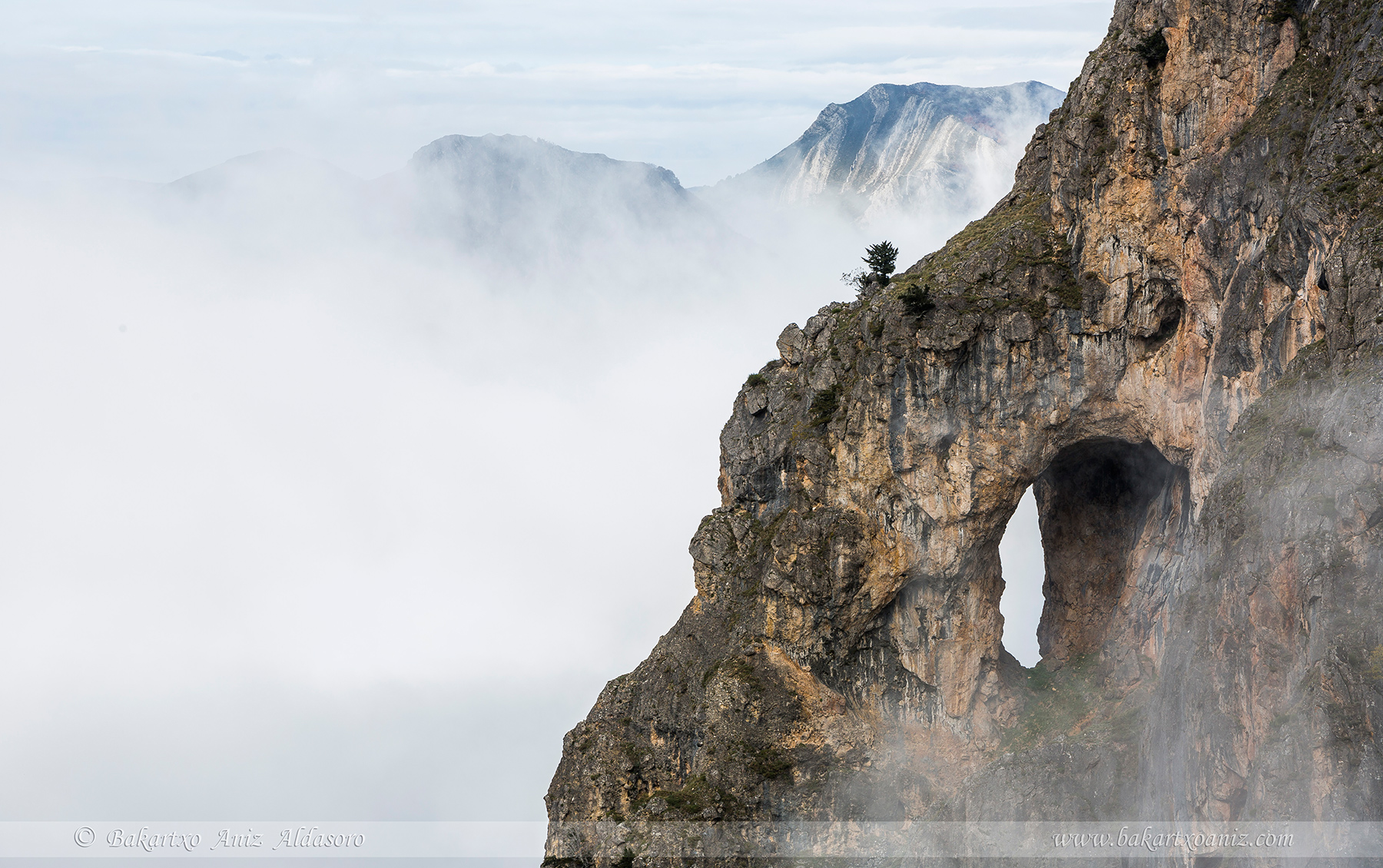 Detalle de Castiellu - Somiedo - Tierra de teitos y bosques - Bakartxo Aniz - Fotografías de Asturias. Somiedo - Muniellos.