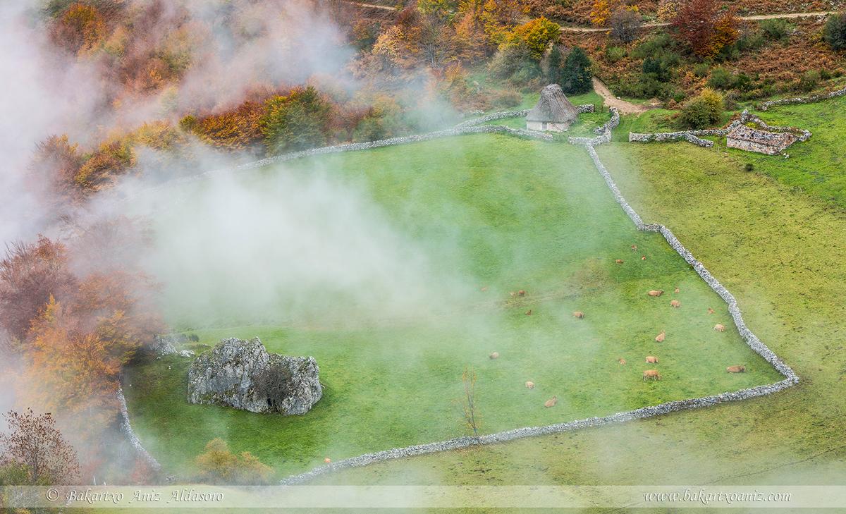 Fuexu - Somiedo - Somiedo - Tierra de teitos y bosques - Bakartxo Aniz - Fotografías de Asturias. Somiedo - Muniellos.
