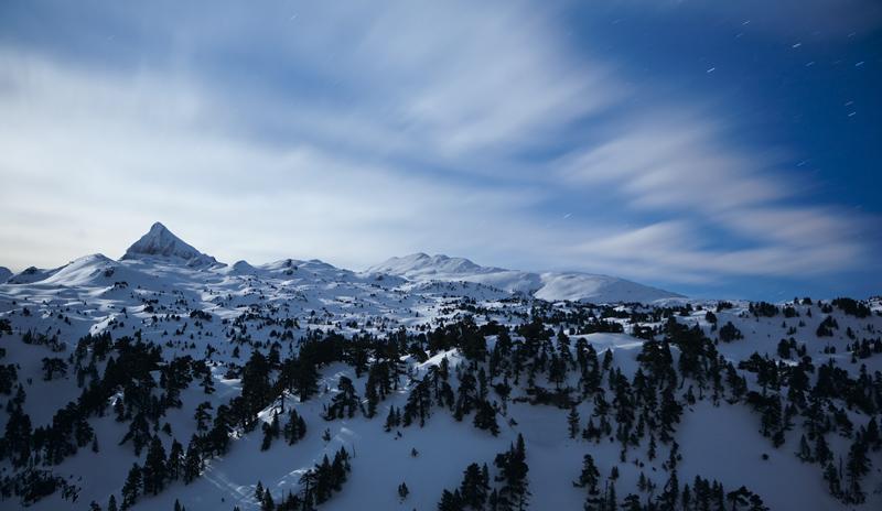Larra bajo la luna y estrellas - Pirineo navarro - Paisaje - Bakartxo Aniz - Fotografías de paisajes en Pirineos, Suiza y Venezuela.