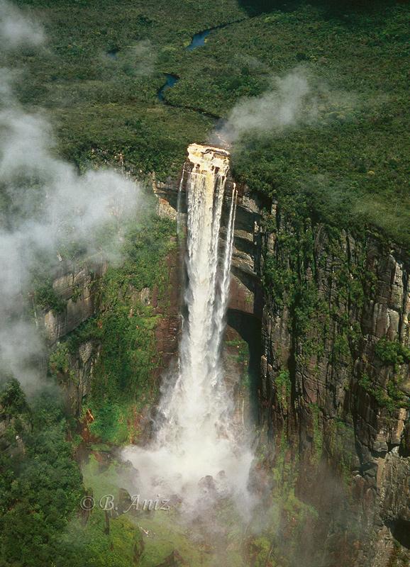Cascada - Venezuela - Paisaje - Bakartxo Aniz - Fotografías de paisajes en Pirineos, Suiza y Venezuela.