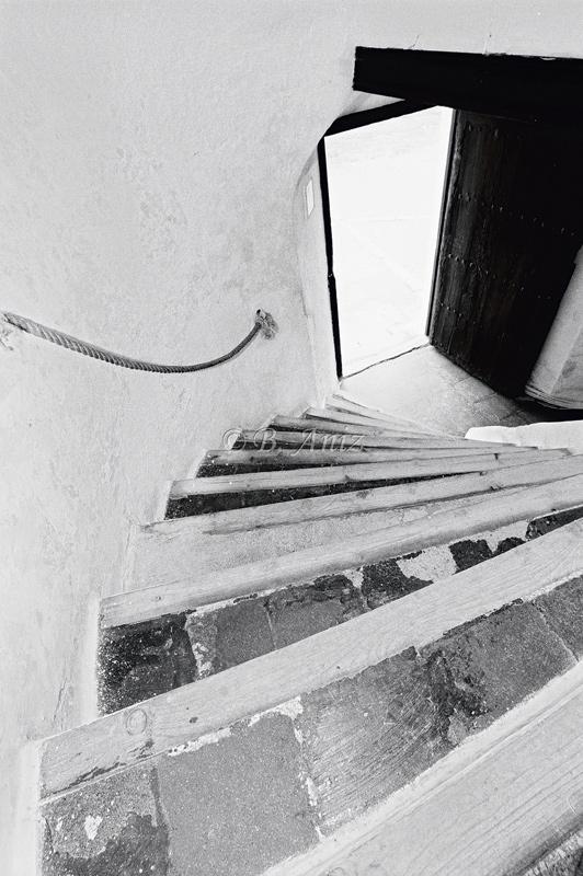 Escaleras entre la planta baja y la primera - Molinos de la Mancha - Bakartxo Aniz - Fotografías sobre los Molinos de viento - La Mancha.