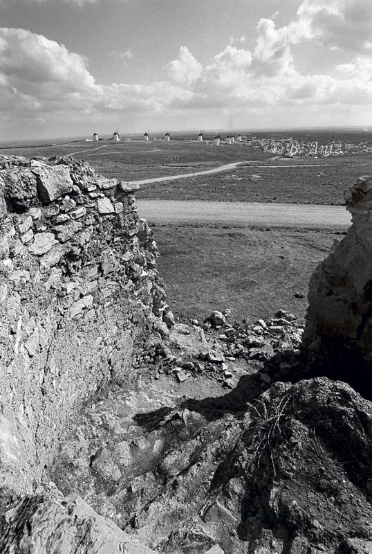 Desde lo alto de un molino abandonado - Molinos de la Mancha - Bakartxo Aniz - Fotografías sobre los Molinos de viento - La Mancha.