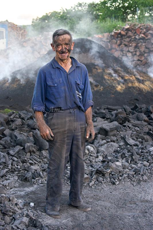 Emilio Galdeano - Biloria - Oficio de carbonero - Bakartxo Aniz - Fotografías sobre el oficio de Carbonero - Valle de Lana.