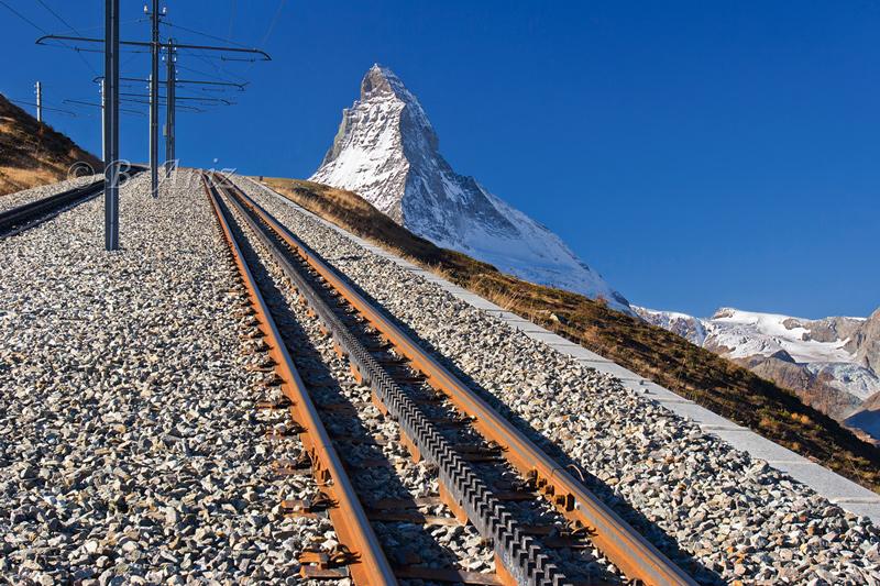 Railes del tren cremallera a Gornegrat - Alpes suizos - Bakartxo Aniz - Fotografías de los Alpes suizos. Cervino - Matterhorn.