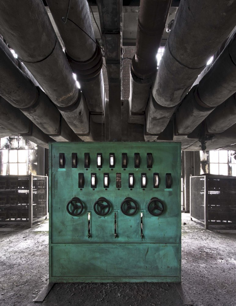 green control - POWER STATION - cesar azcarate photography, galleries, power station