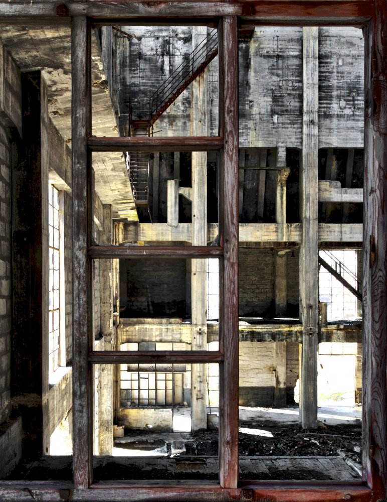 waiting for another day behind the window - POWER STATION - cesar azcarate photography, galleries, power station