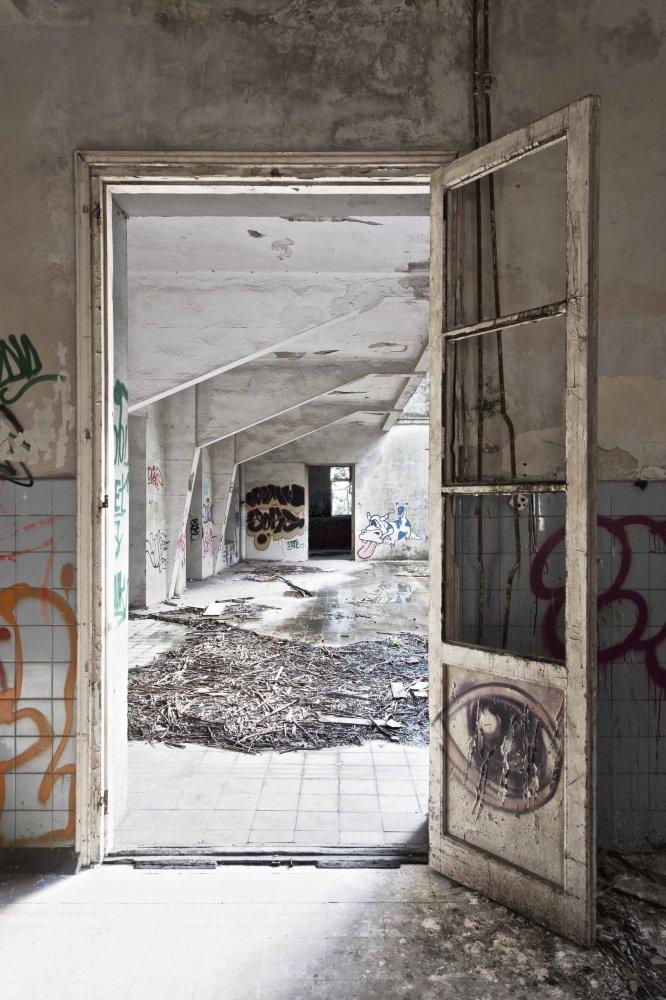 over the terrace - ABANDONMENTS - cesar azcarate fotografia, galerias, abandonments