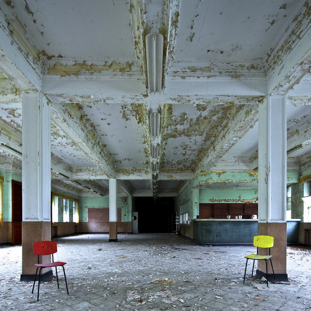 happy survivor chairs - ABANDONMENTS - cesar azcarate fotografia, galerias, abandonments