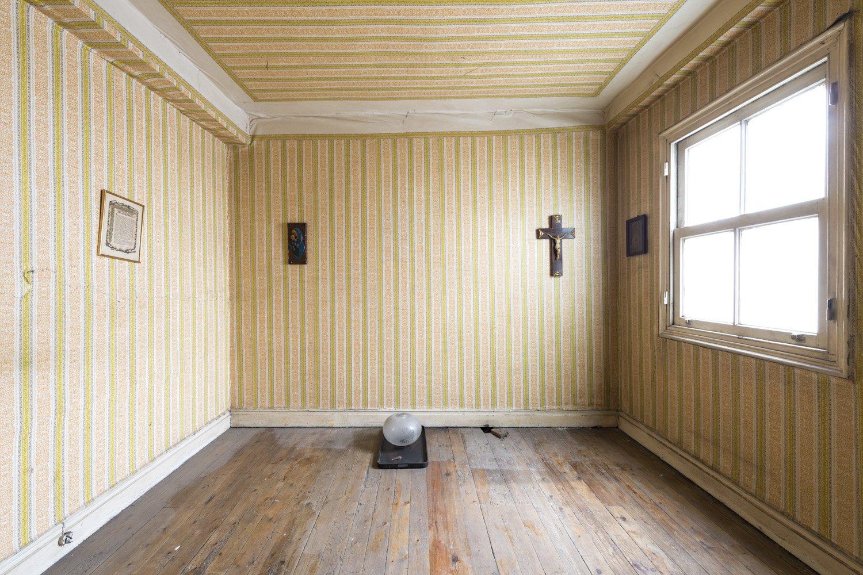 skew room - XABIER'S MEMORY - cesar azcarate, photography