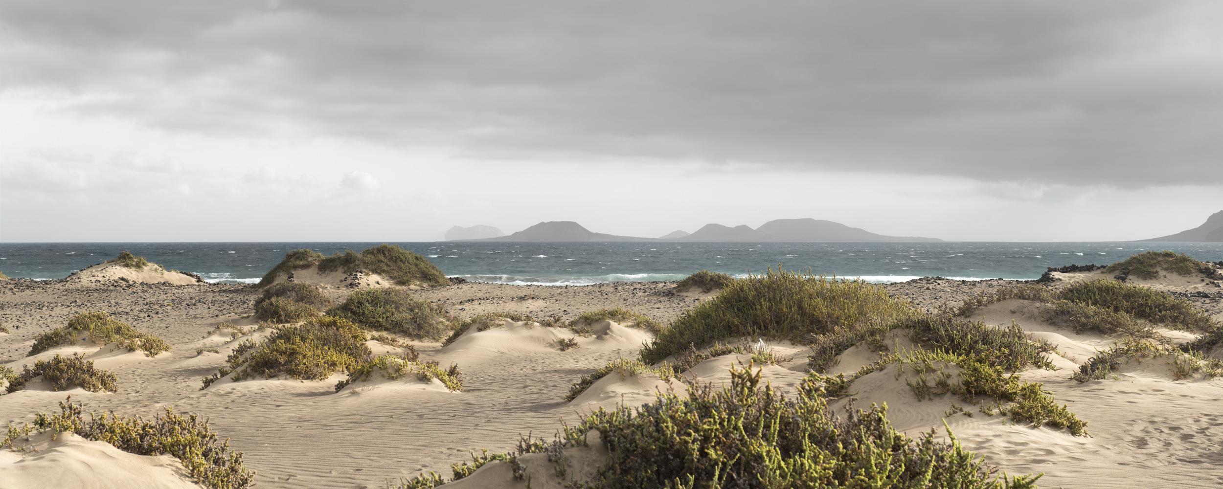 dear island - THE ISLAND OF THE HORIZON - cesar azcarate, fotografia
