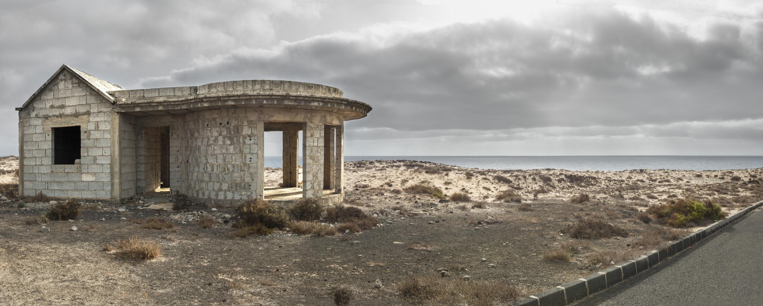 promised paradise - THE ISLAND OF THE HORIZON - cesar azcarate, fotografia
