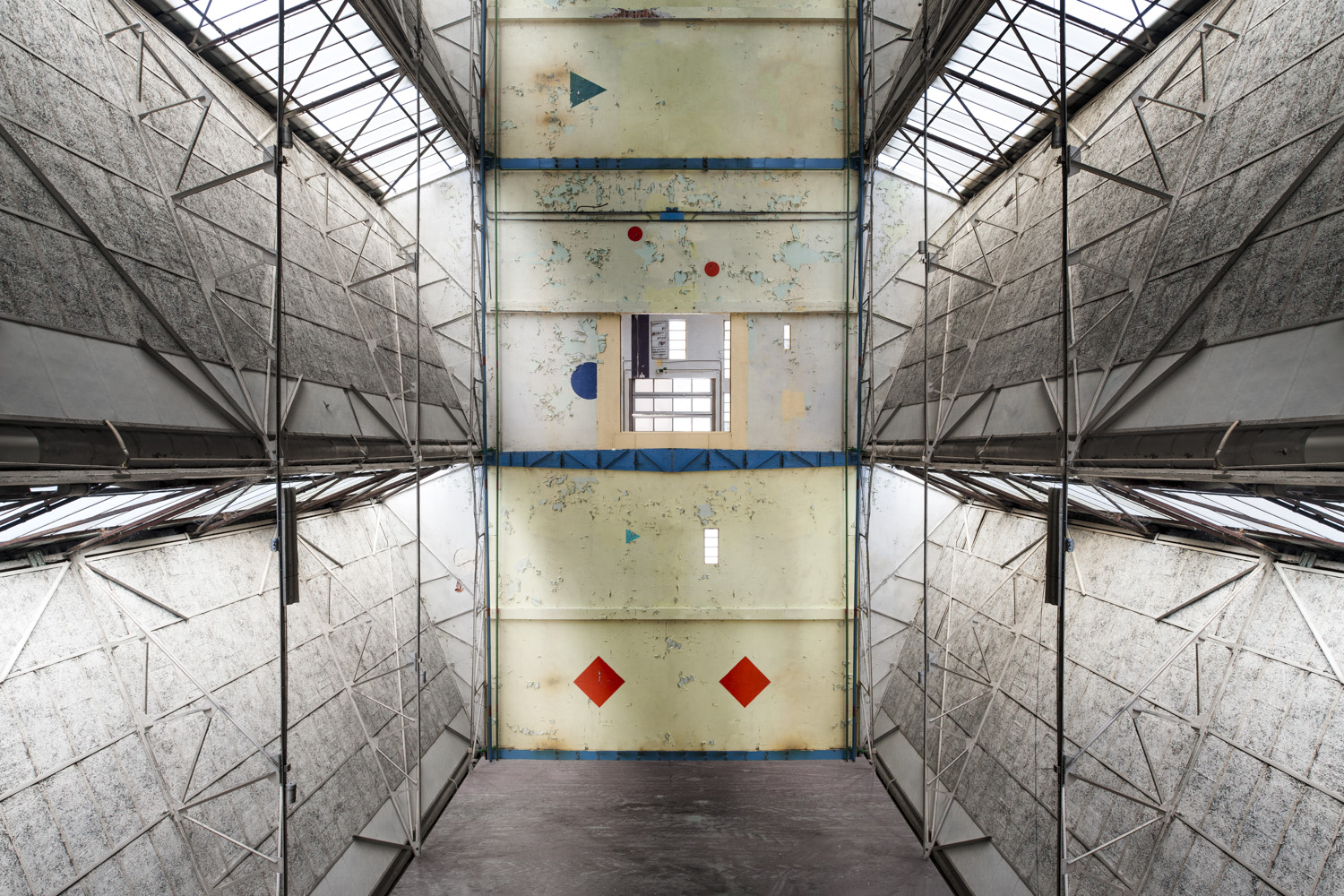 hazard rhombus - IMAGINARY SPACES - cesar azcarate photography, galleries, imaginary spaces