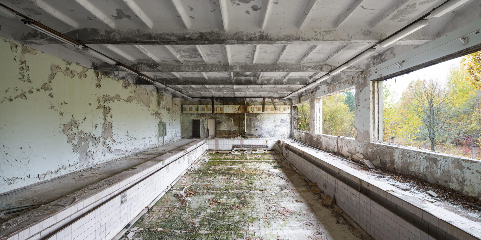 the final pool - THE INVISIBLE  CITY - cesar azcarate photography, galleries, the invisible city