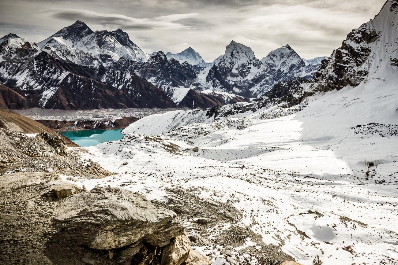 Gokyo Lake and glacier from Renjo La trail - Gokyo Lake and glacier from Renjo La trail - Himalayan Trails   Dani Vottero, fotografia di viaggio in Nepal