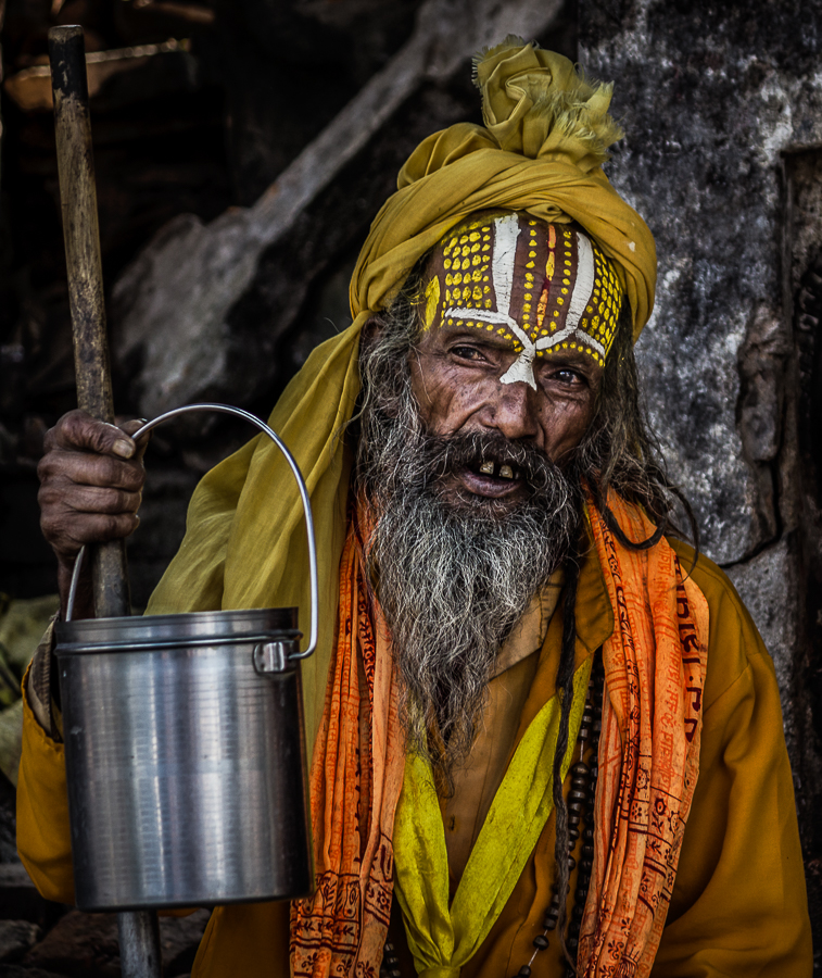 Portrait of Sadhu - Sadhu - Himalayan Trails   Dani Vottero, fotografia di viaggio in Nepal