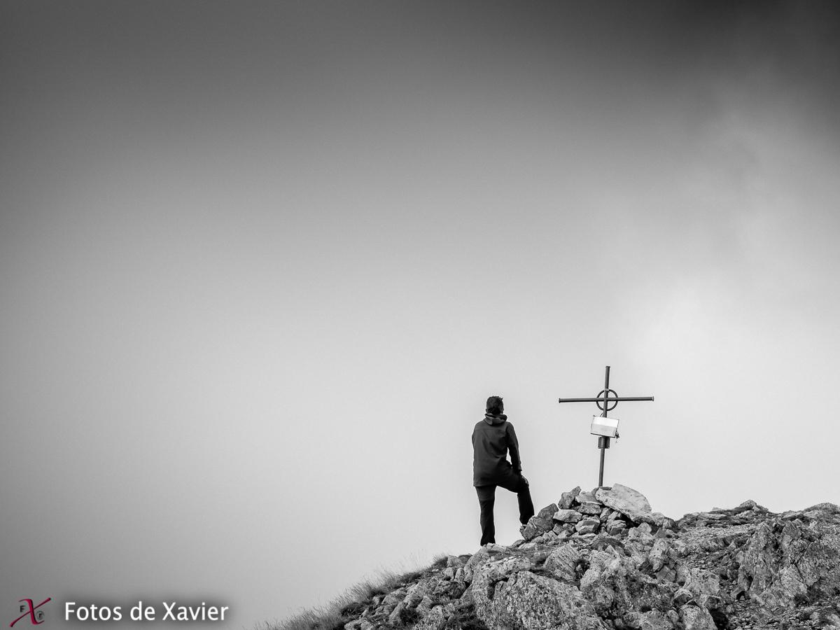 Al cim - Blanco y negro - Fotos de Xavier. Fotografia de naturaleza y paisaje en blanco y negro. Xavier Linares