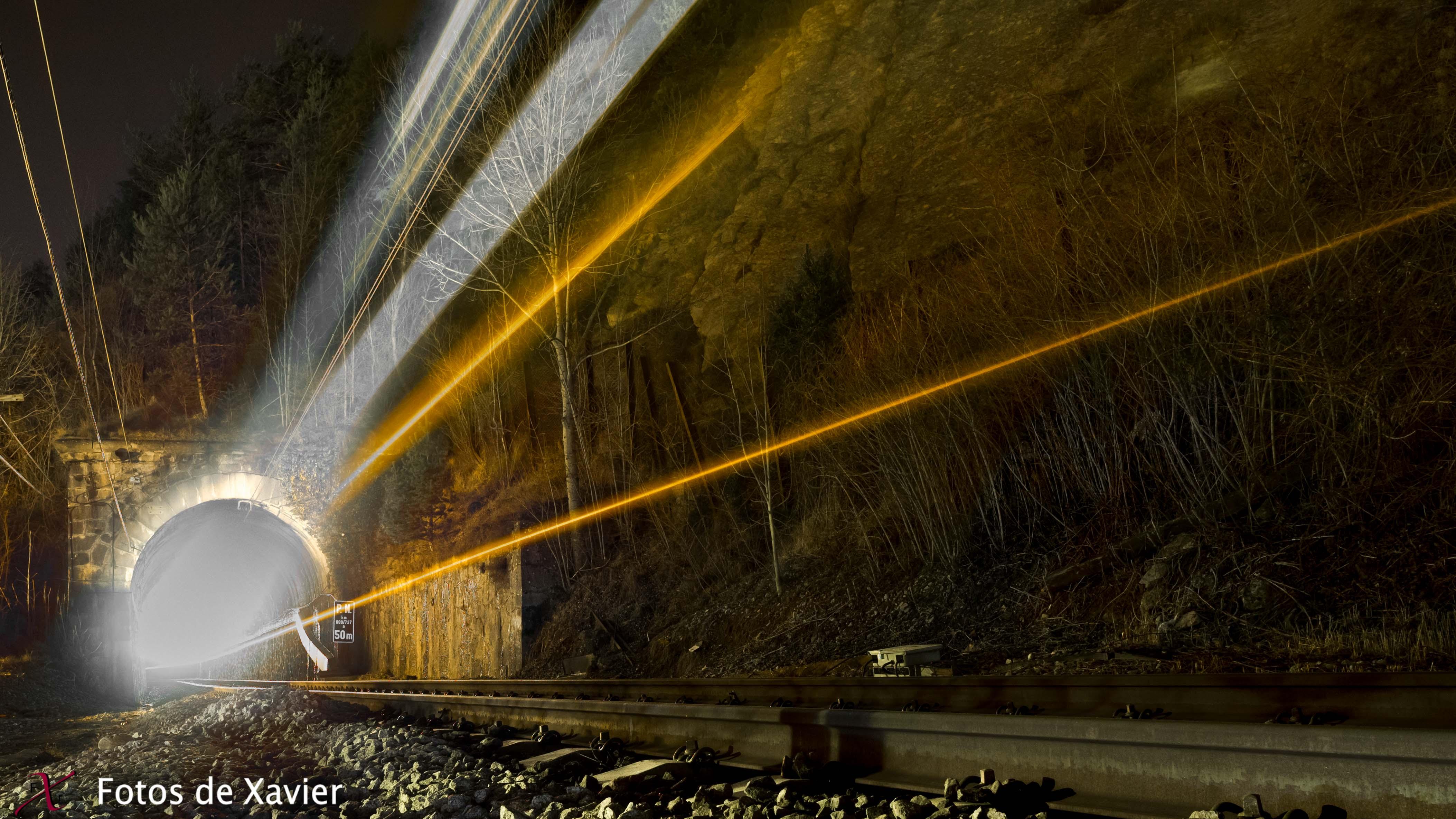 Túnel - Luz - Fotos de Xavier. Fotografia de naturaleza y paisaje. Xavier Linares