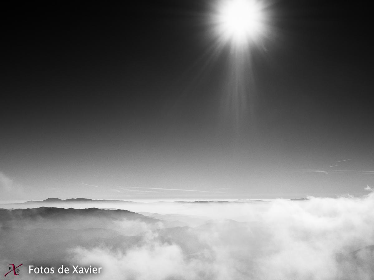 En las nubes - Blanco y negro - Fotos de Xavier. Fotografia de naturaleza y paisaje en blanco y negro. Xavier Linares
