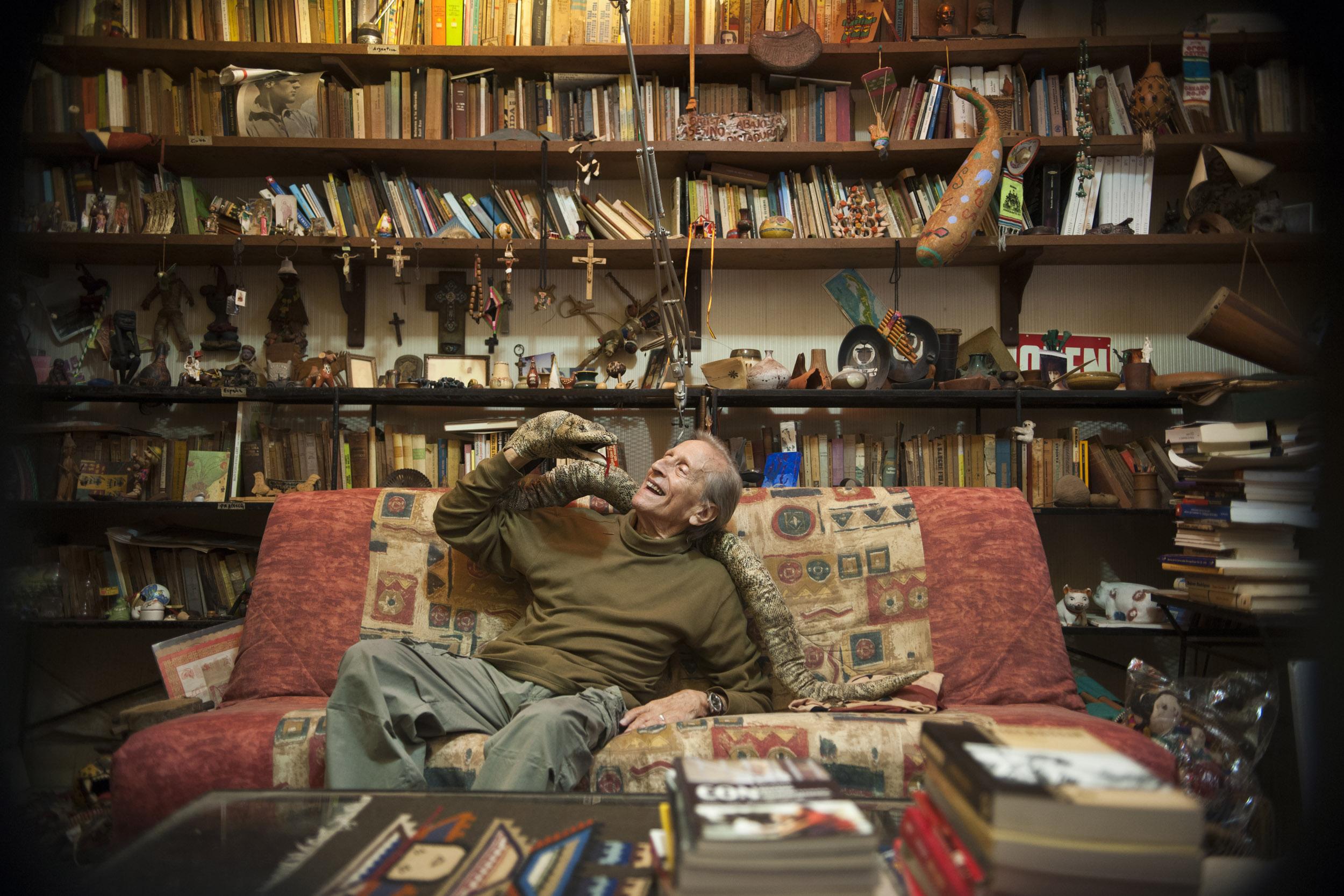 Enrique Pineda Barnet, filmmaker - Illuminated Cuba - Hector Garrido, Aerial and human photography