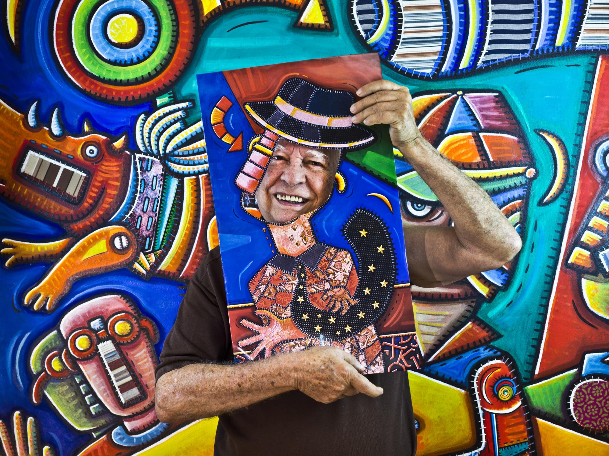 Alfredo Sosabravo, painter - Illuminated Cuba - Hector Garrido, Aerial and human photography