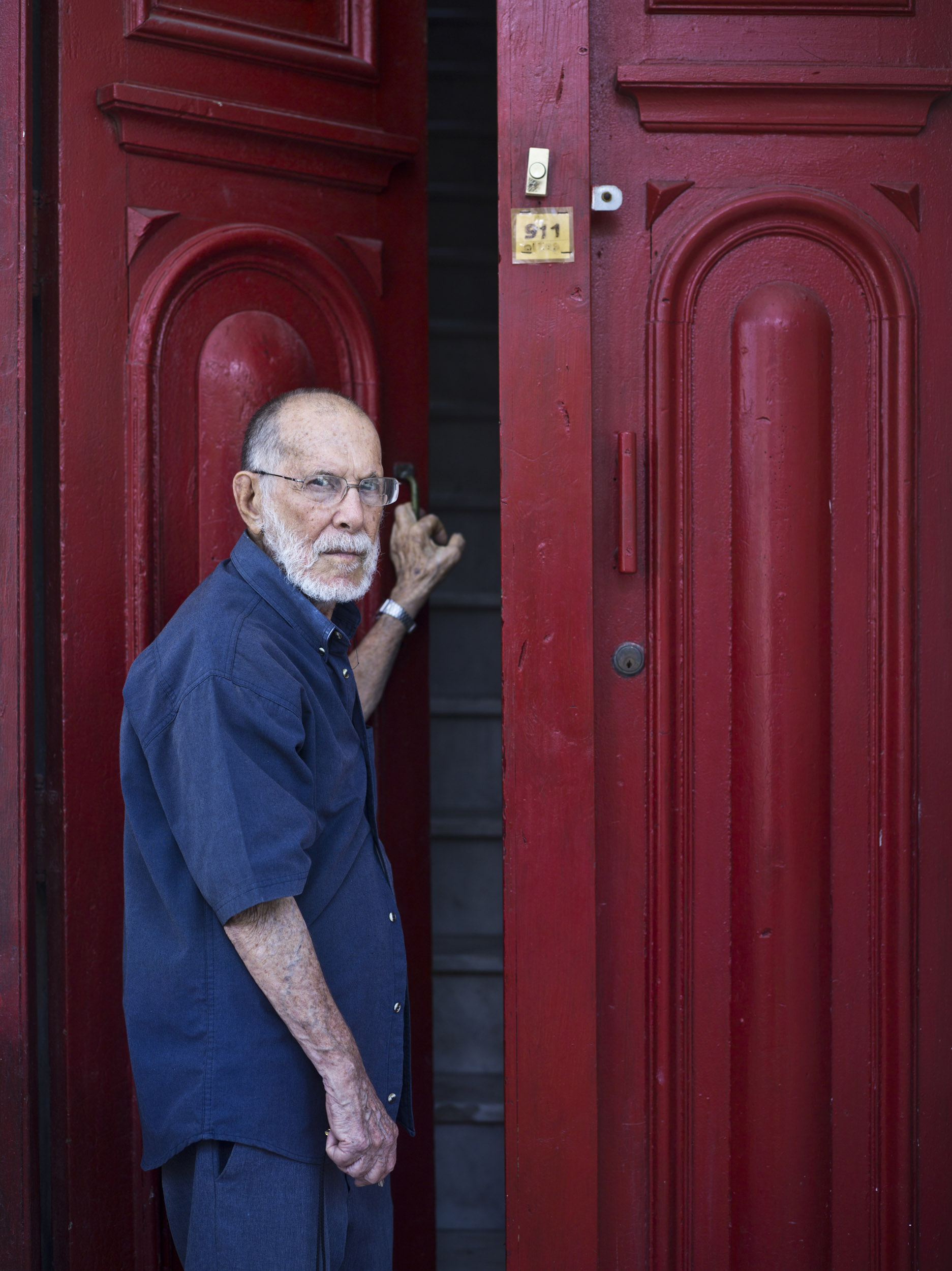 Abelardo Estorino, writer - Illuminated Cuba - Hector Garrido, Aerial and human photography