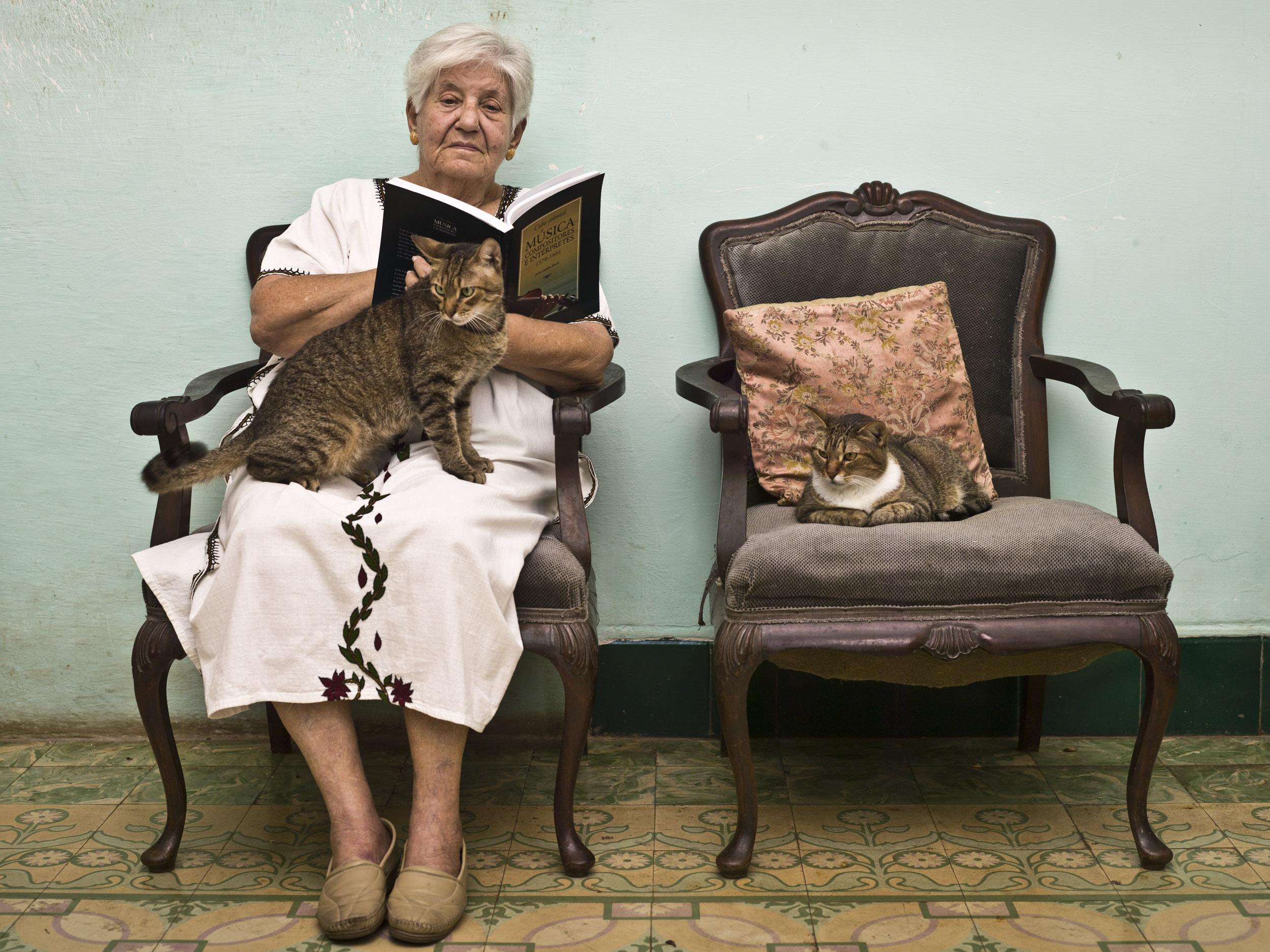 Zoila Lapique, writer - Illuminated Cuba - Hector Garrido, Aerial and human photography