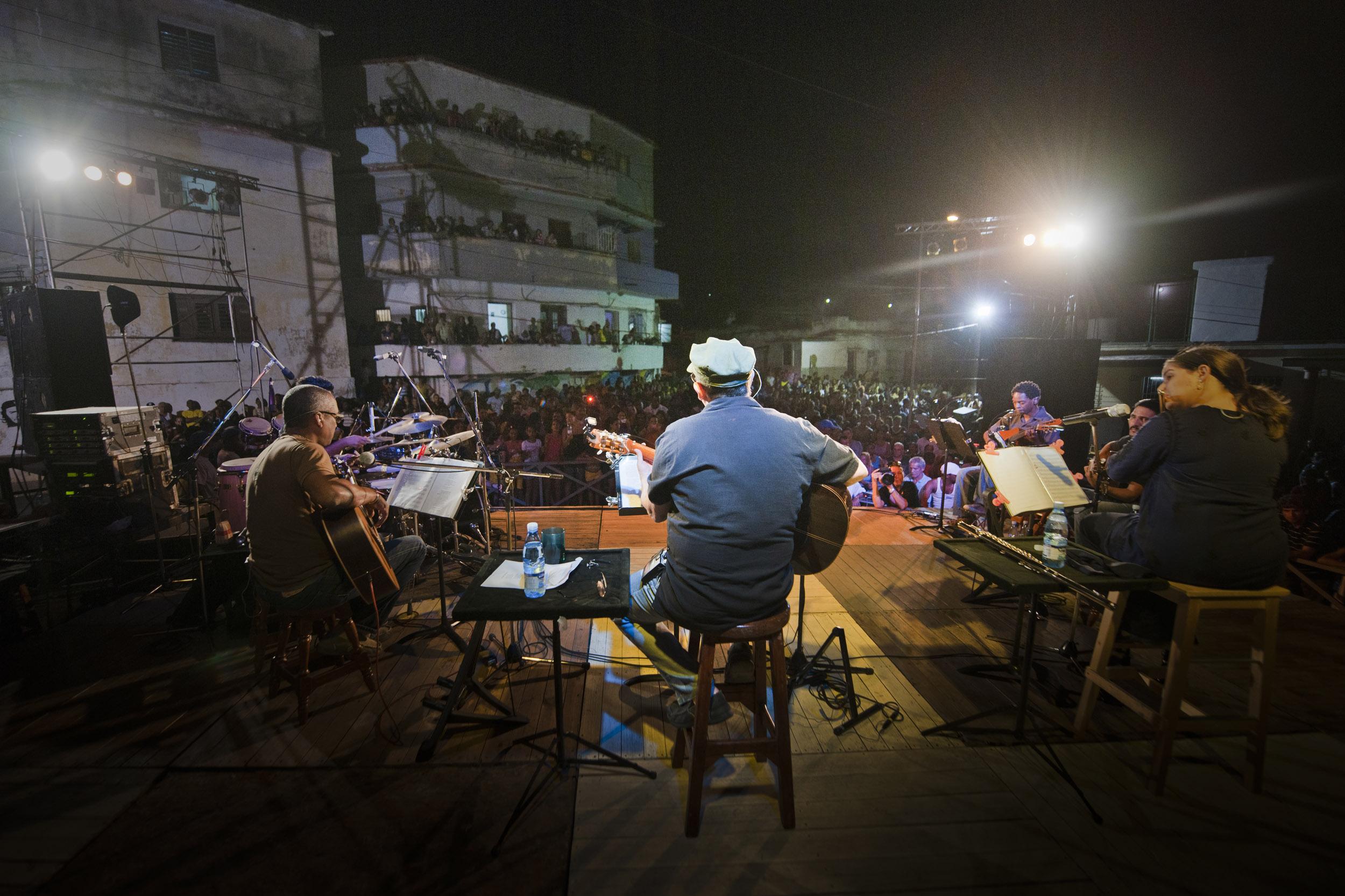 Silvio Rodriguez, musician - Illuminated Cuba - Hector Garrido, Aerial and human photography