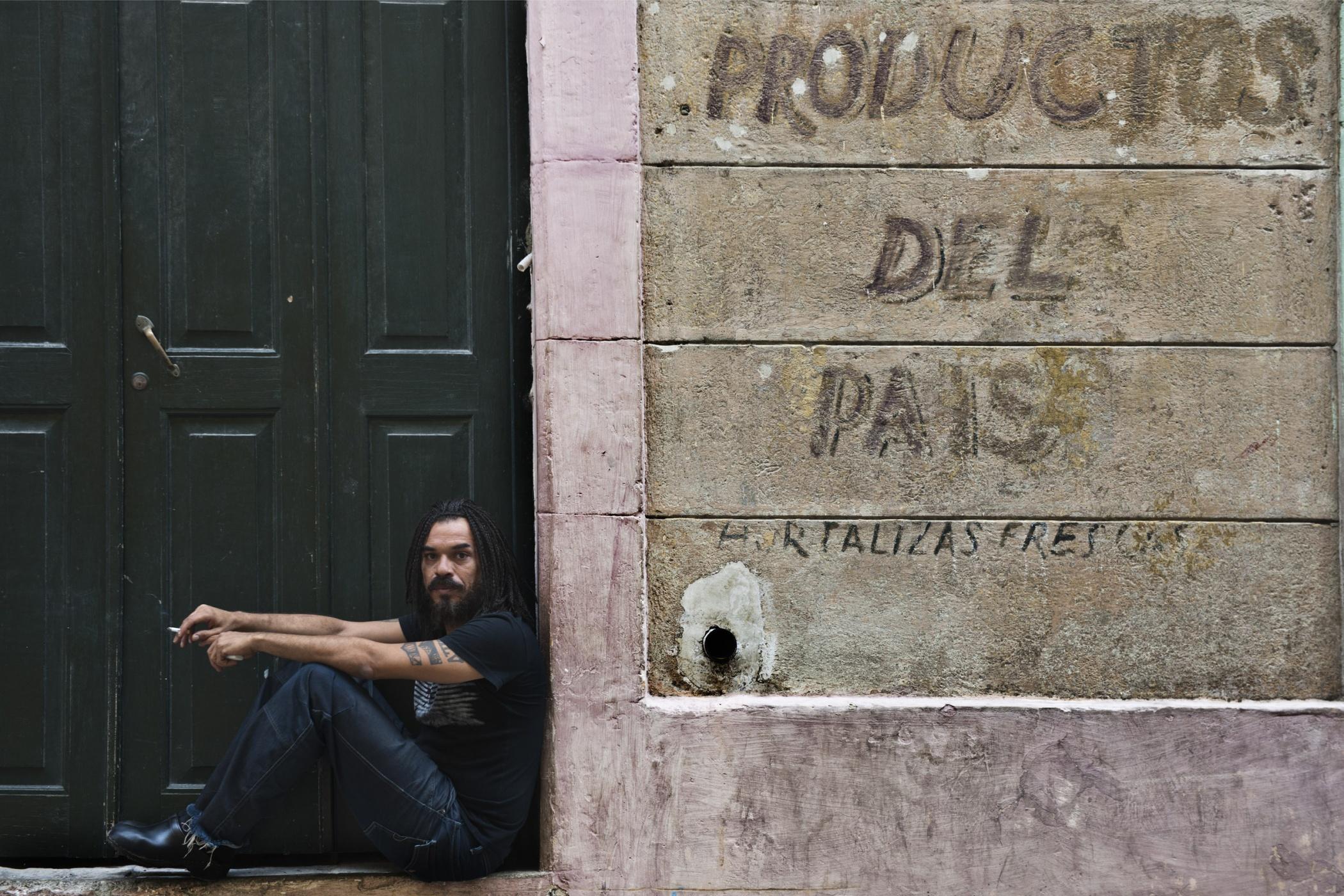 X Alfonso, musician - Illuminated Cuba - Hector Garrido, Aerial and human photography