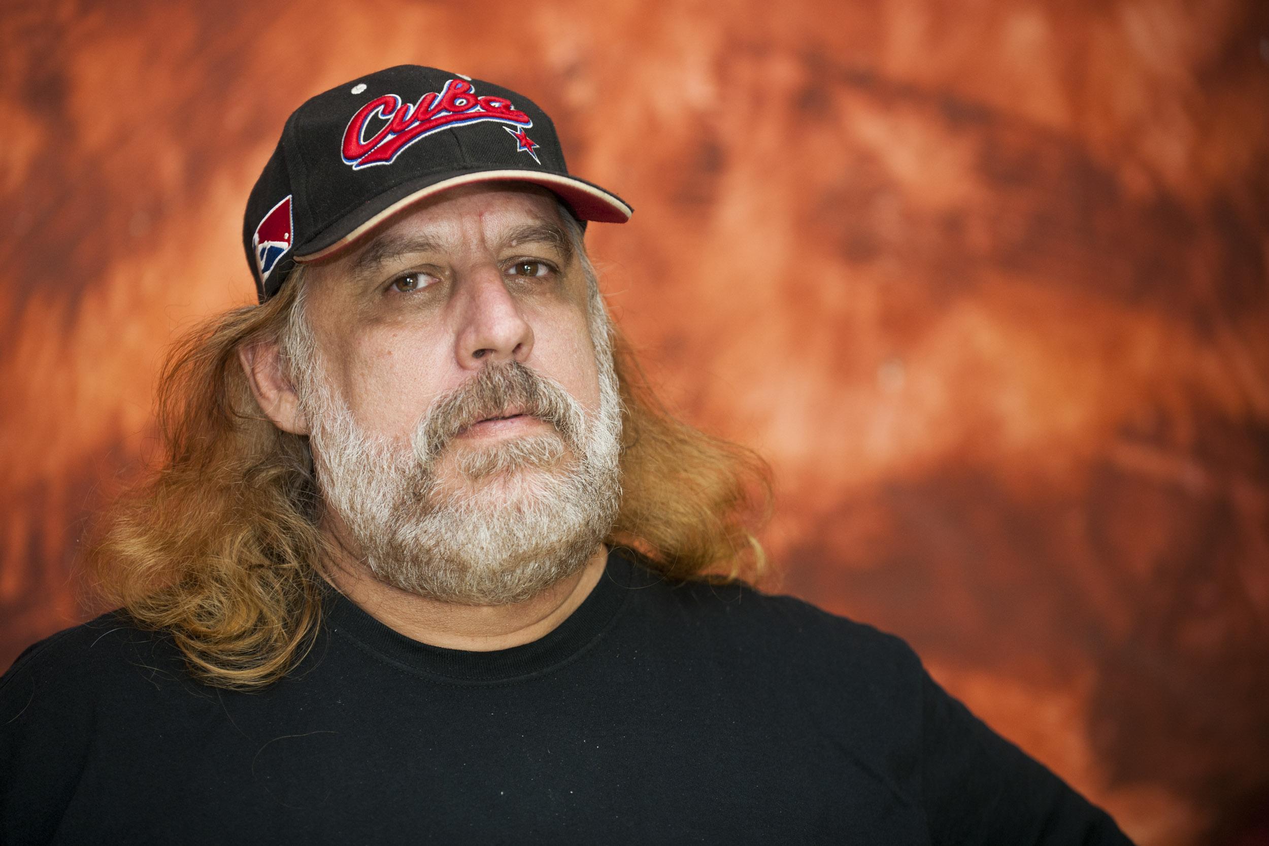 Frank Delgado, musician - Illuminated Cuba - Hector Garrido, Aerial and human photography