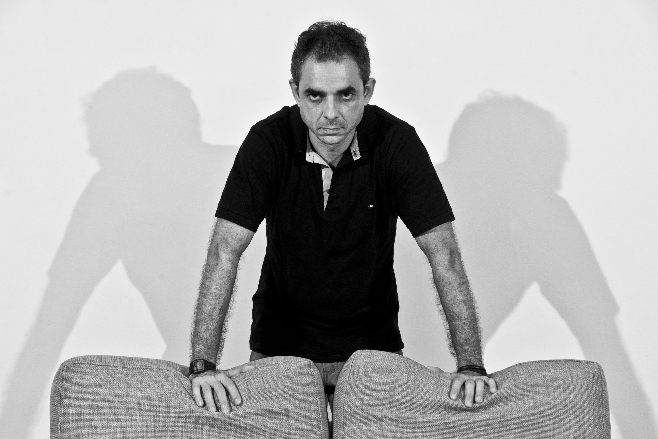 Ernesto Sierra, writer - Illuminated Cuba - Hector Garrido, Aerial and human photography
