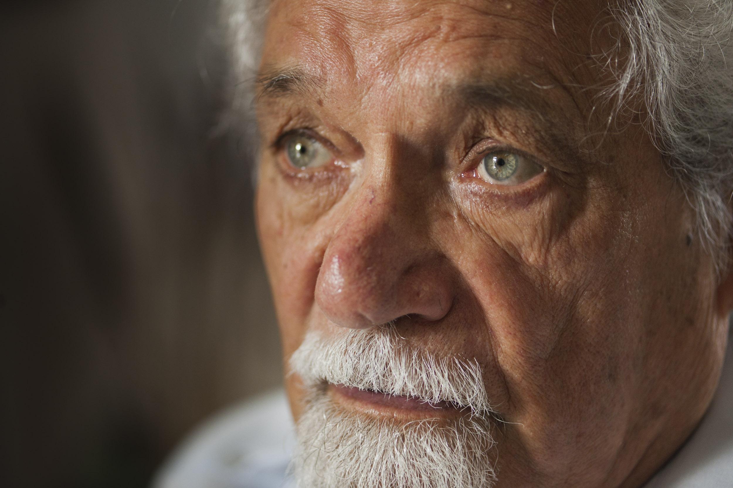 Pablo Armando Fernández, writer - Illuminated Cuba - Hector Garrido, Aerial and human photography