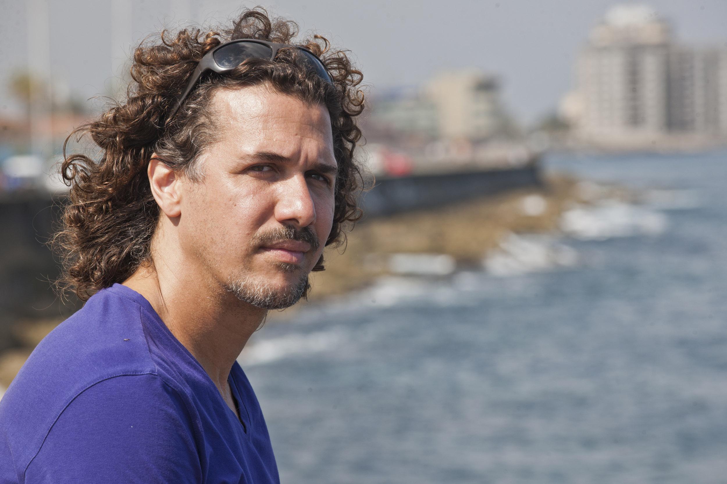 Roberto Carcassés, musician - Illuminated Cuba - Hector Garrido, Aerial and human photography