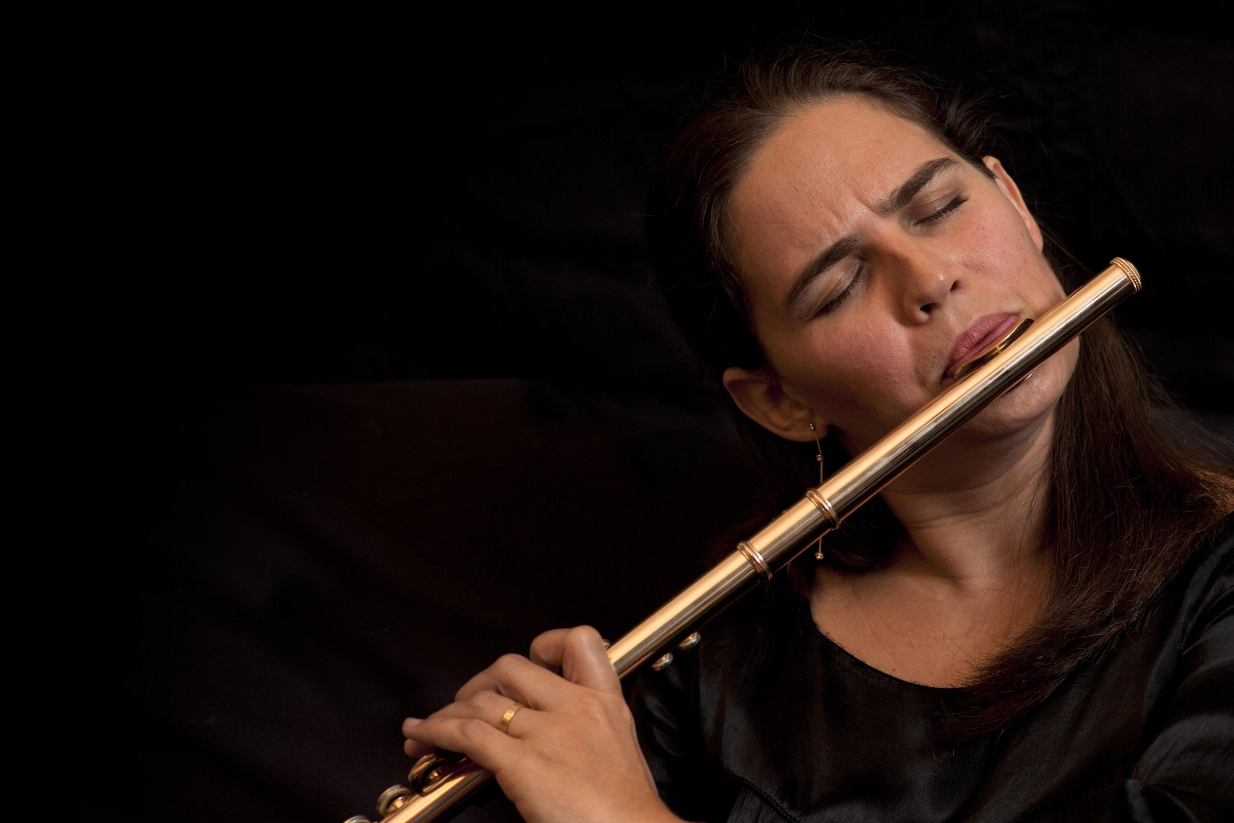 Niurka González, musician - Illuminated Cuba - Hector Garrido, Aerial and human photography