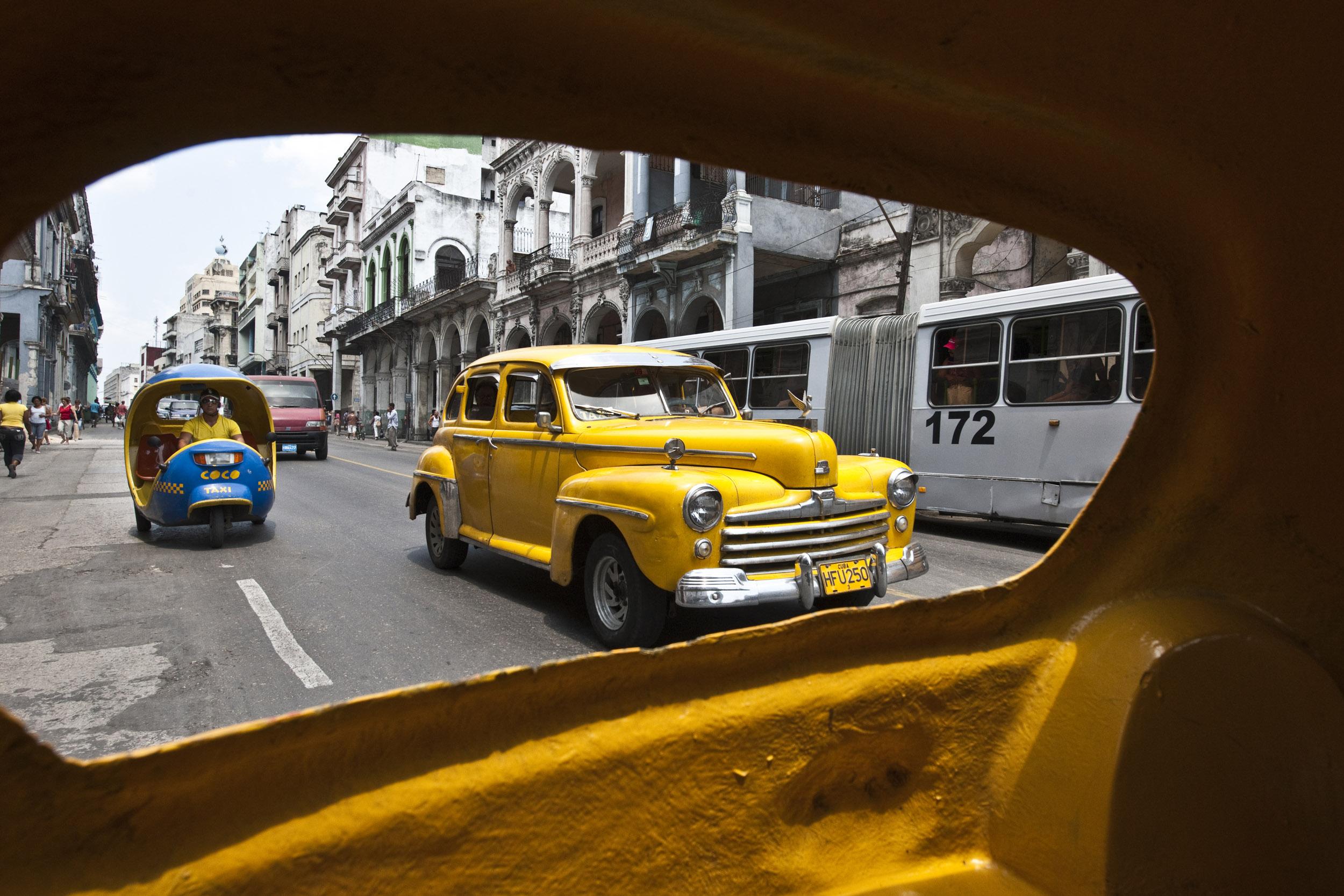 Amarillo - Cuba - Hector Garrido, Aerial and human photography