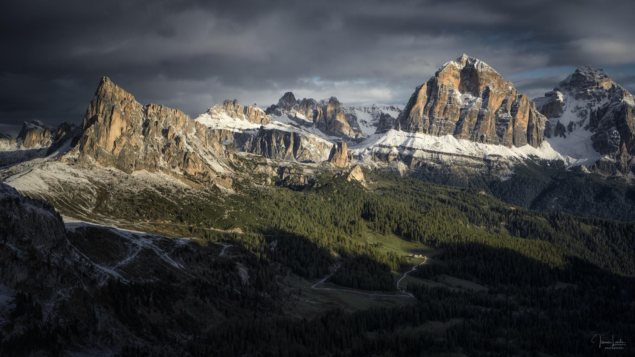 Lagazuoi y las Tofanas  - Luces de montaña - Isaac Loiola, Photography