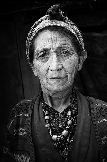 Amona - Erretratuak-Retrato - Iosu Garai, Argazkilaria - Fotógrafo