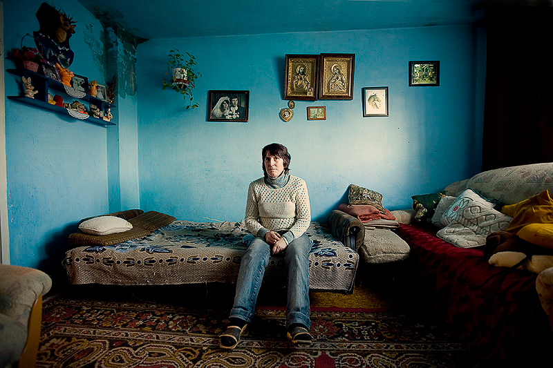 living here - IZABELA URBANIAK, PHOTOGRAPHER